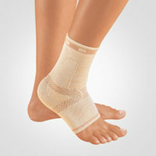 BORT 054700 TaloStabil® bandažer nožni zglob desni boja kože M